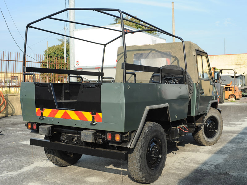 truck-iveco-wm90-4x4-pickup-retro