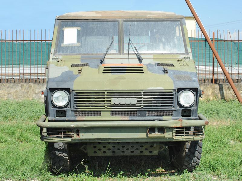 veicolo WWM 90 40E13 da restaurare