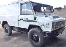 WM 90 finiture veicolo con adesivi fiancate Truck4x4 DVD