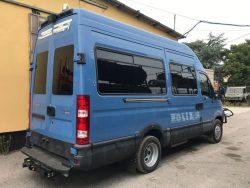 Iveco Daily rimozione adesivi e insegne polizia